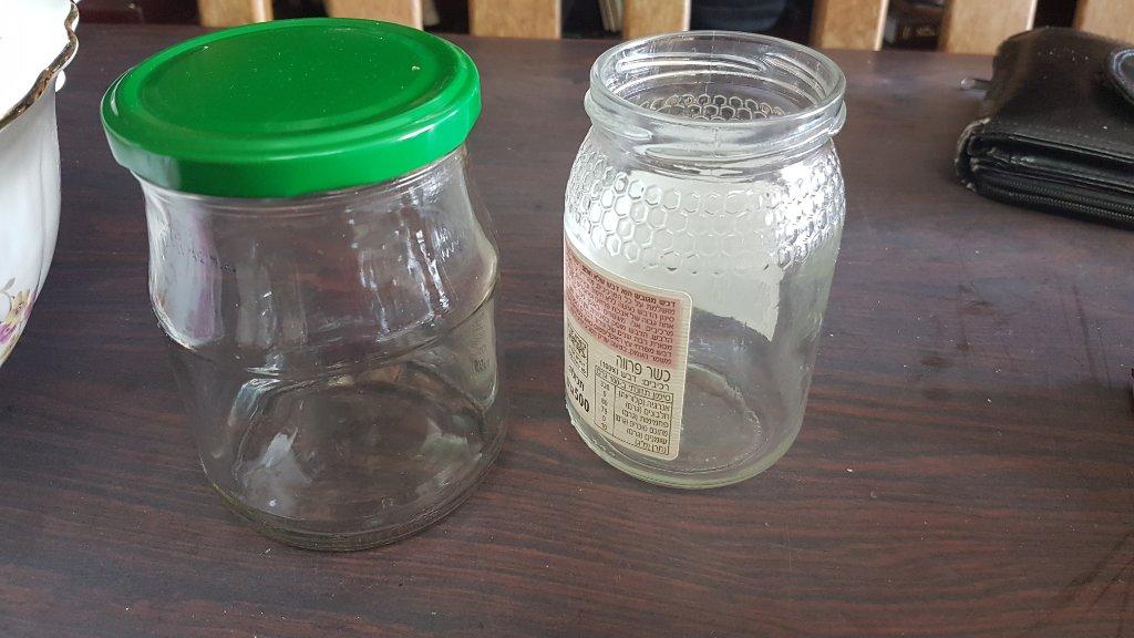 צנצנות זכוכית בגדלים שונים