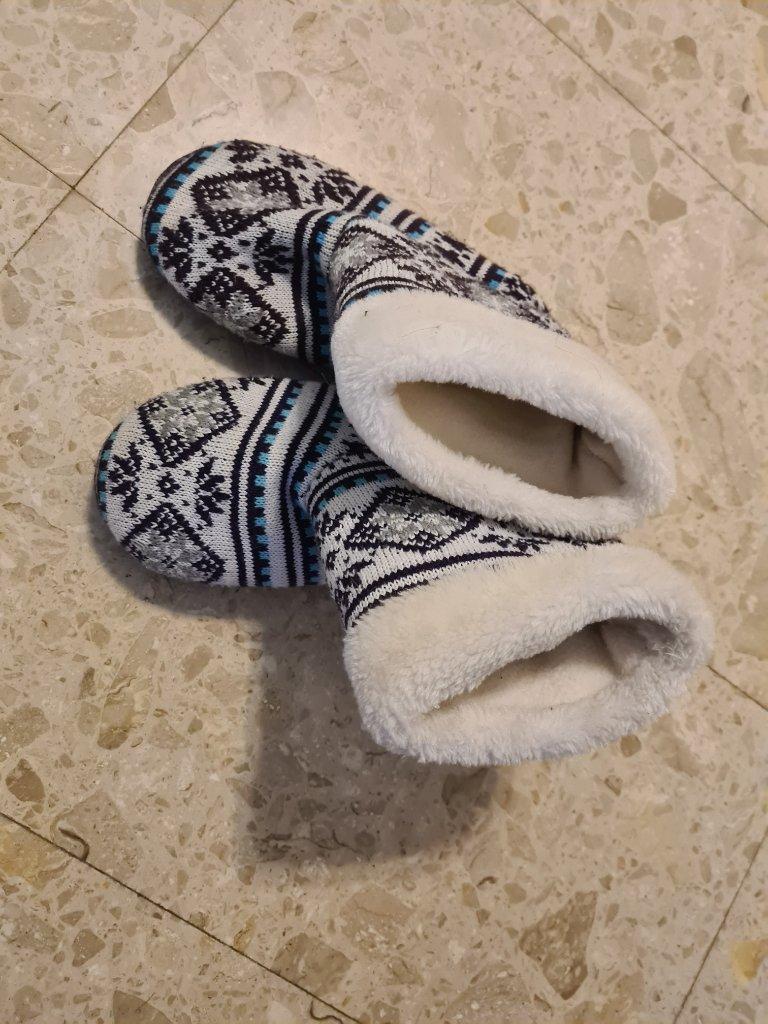 נעלי בית