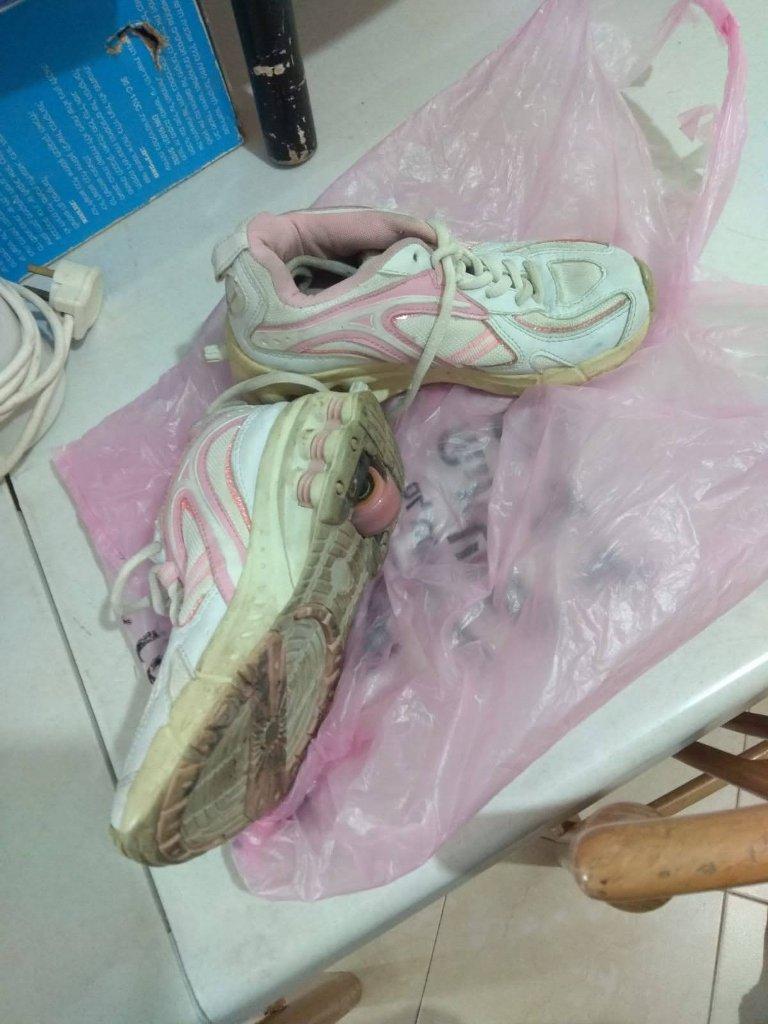 נעלי ילדה עם גלגליות