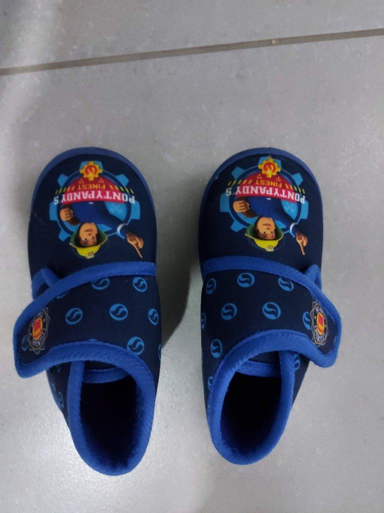 נעלי בית לילד מידה 24